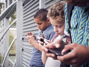 2 ridiculous ways and 5 practical ways to prevent your kids from being addicted to their cell phones