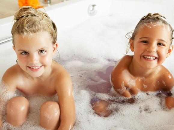 How Old is Too Old For Children to Bathe Together? Experts Weigh In