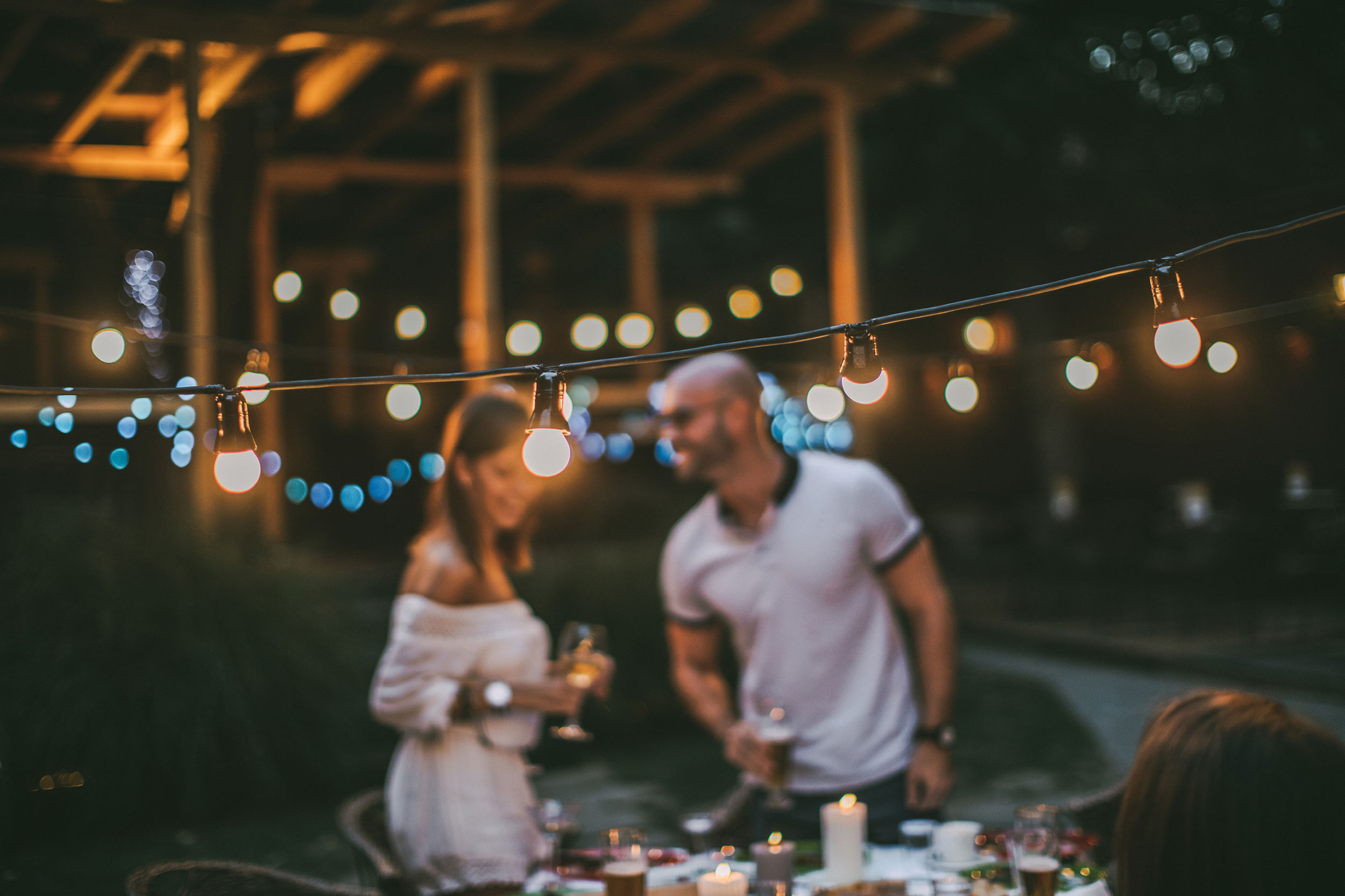 Red Flag/Green Flag: What to Look for When You're Dating